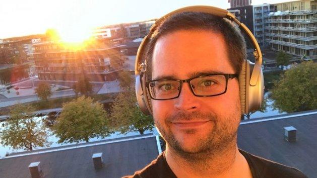Selfie bärandes Bose QuietComfort 35