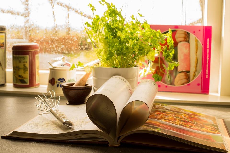 cookbook-761588_960_720