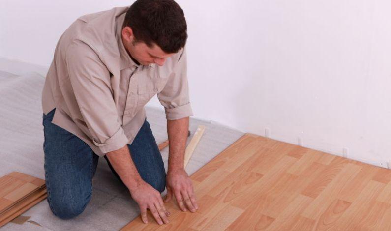 Je pokládka plovoucí podlahy skutečně tak snadná?