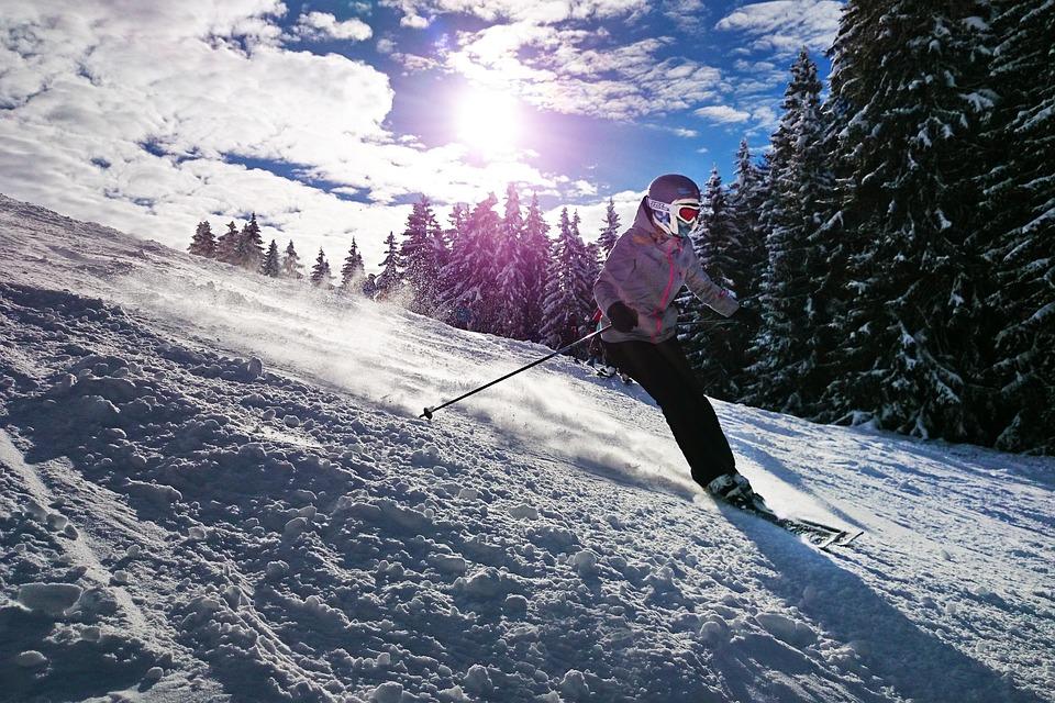 skiing-1723857_960_720