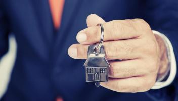 Chcete najít kupce své nemovitosti a prodat ji tak co nejvýhodněji? Vsaďte na pomoc odborníka