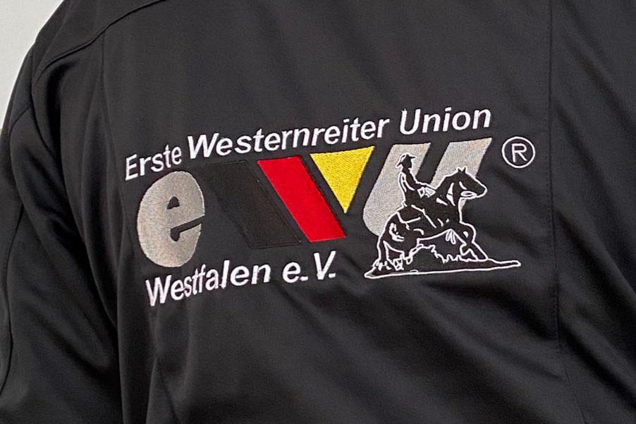 Softshell Jacken mit dem Logo der EWU Westfalen