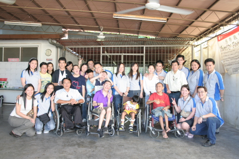 A Visit to Eden Handicap Service Centre Berhad by Exabytes - group photo