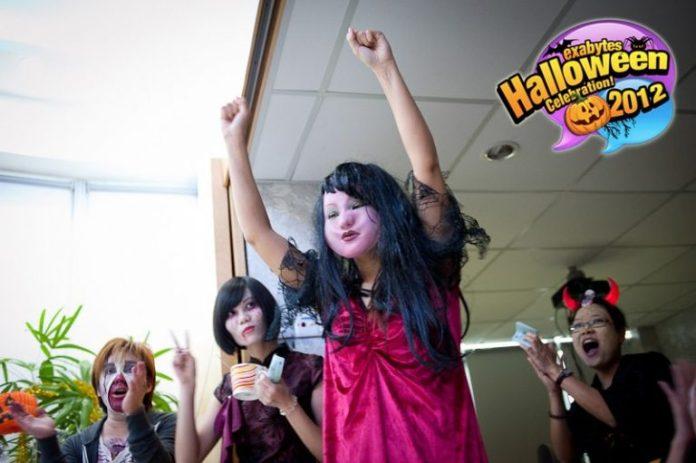 Exabytes Halloween Celebration 2012 (18)