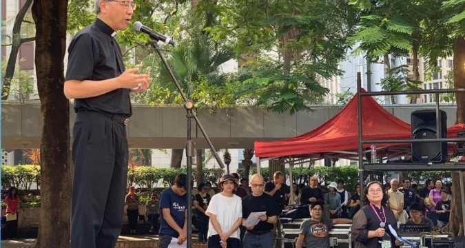 Bishop Ha leads prayer gathering at Charter Garden