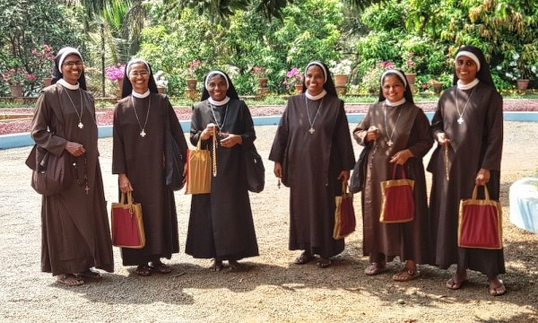 Sister Ginsa Rose, Sister Princy Maria, Sister Ann Ligy, Sister Therese, Sister Little Therese and Sister Treasa Margret. Photo: CNS/Global Sisters Report