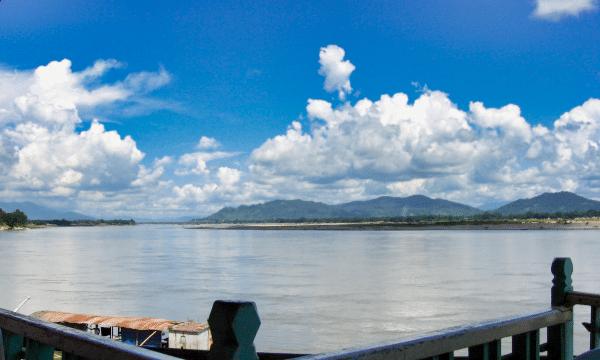 The Irawaddy River below the dam site at Myitkyina. Photo: Colegota/Wikimedia CC BY-SA 2.5 ES