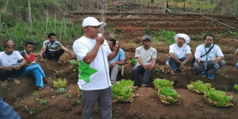 Father Hasan speaking to farmers in East Nusa Tenggara. Photo: UCAN/supplied