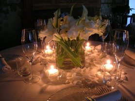 Table decors with white callas