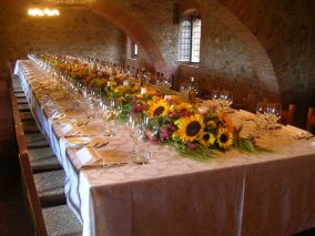 Tuscan style table with sunflowers