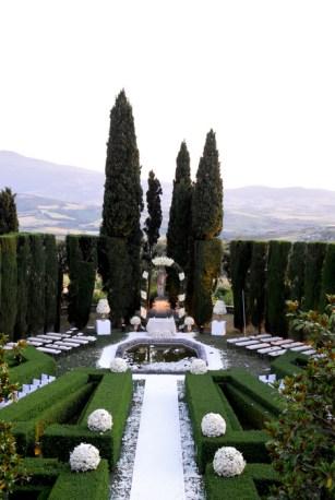 Glorious wedding ceremonies open air