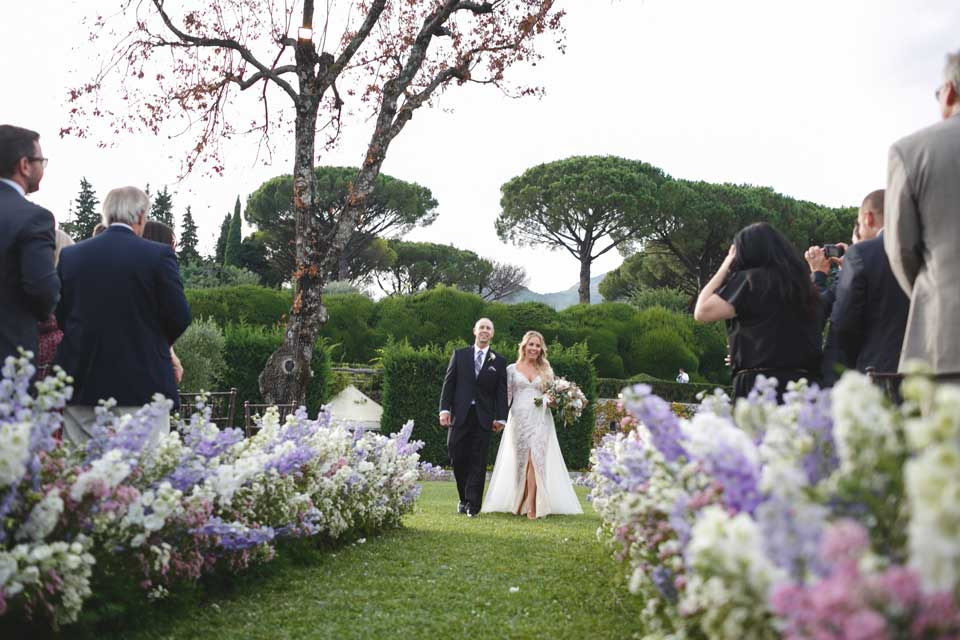 Bride and father arriving at the ceremony in Ravello
