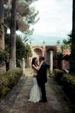 Bride and groom in the park of Villa Durazzo