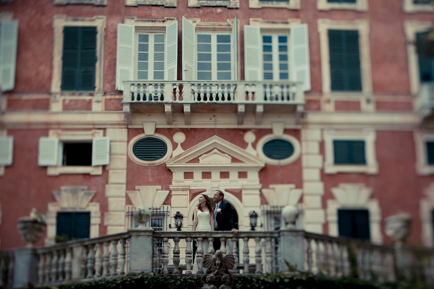 Bride and groom in front of Villa Durazzo