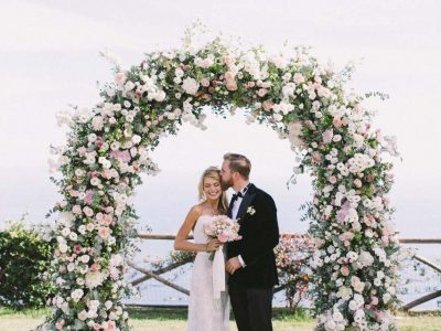 Flower arch for wedding in Ravello