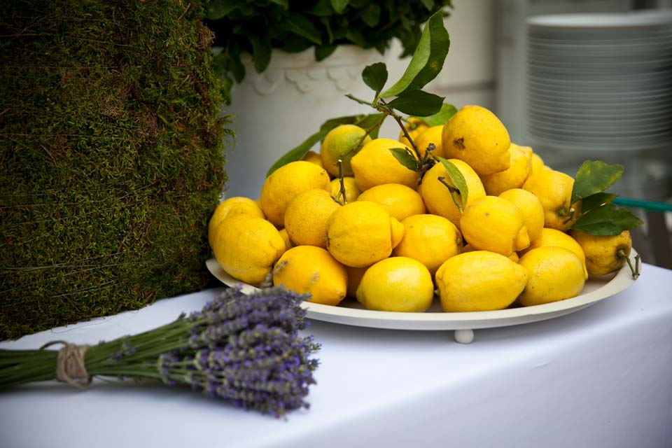 Lemons and lavender for table decoration in Florence