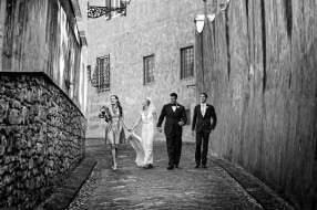 Bridal couple in the streets of Florence