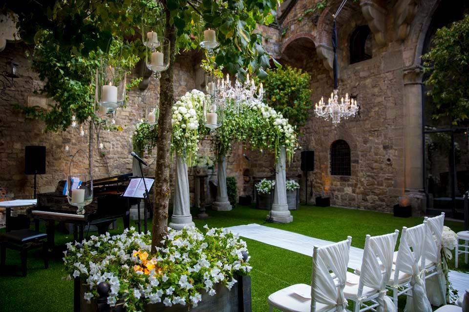 Ceremony at Vincigliata Castle Tuscany