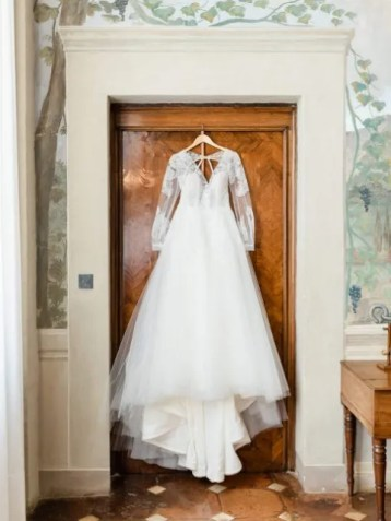 Bridal dress for wedding in Tuscany
