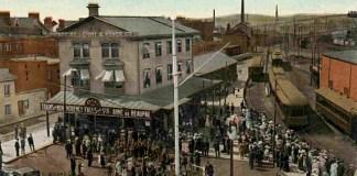 Le premier tramway ayant arpenté les rues de la vieille capitale a cessé ses activités en 1948. (Source: BAnQ, Centre d'archives de Québec Collection Magella Bureau The Valentine & Sons Publishing Co, vers 1905)