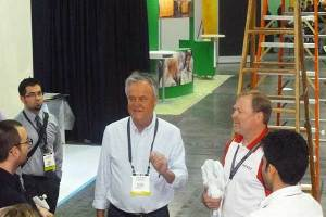 ECN-052014_EXHIBITOR2014-FIT-student-tour---Larry-Norm-presenting-(Web)