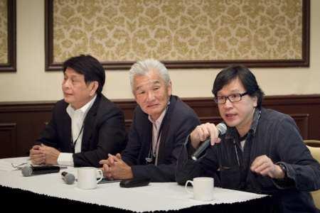 Hazel Hays Award winner Benedict Soh (center) of Kingsmen during an EDPA session on China.