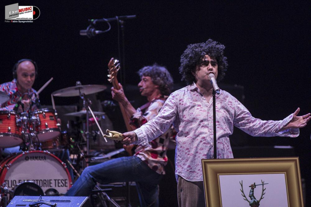ELIO E LE STORIE TESE: Live giovedì 14 giugno Auditorium Parco della Musica di Roma. Foto gallery di Fabio Spagnoletto