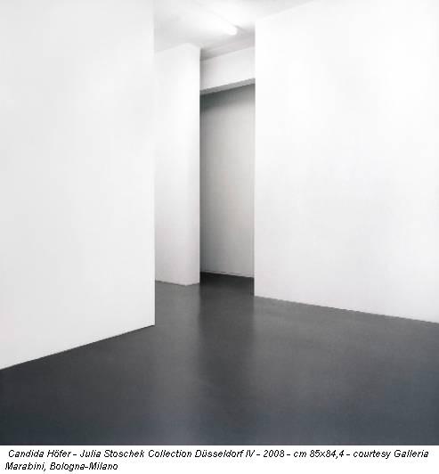 Candida Höfer - Julia Stoschek Collection Düsseldorf IV - 2008 - cm 85x84,4 - courtesy Galleria Marabini, Bologna-Milano