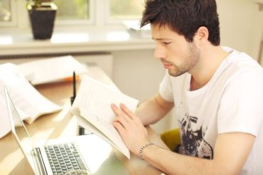 Czy warto studiować w dzisiejszych czasach