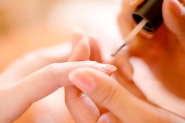 Manicure hybrydowy – Jak go samodzielnie wykonać