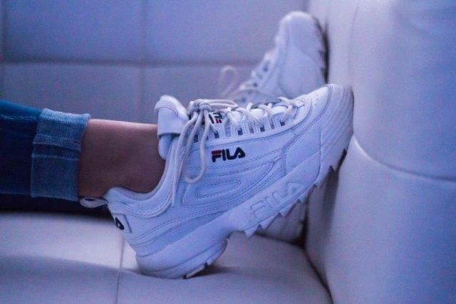 modne modele sneakersów