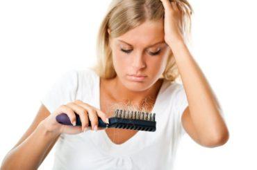 Nadmierne wypadanie włosów – Sposoby na zatrzymanie łysienia
