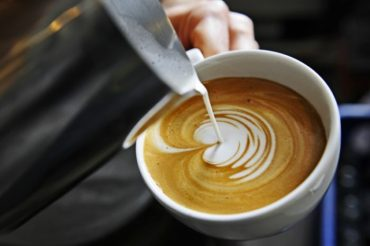 Jak wybrać i odpowiednio zaparzyć najlepszą kawę