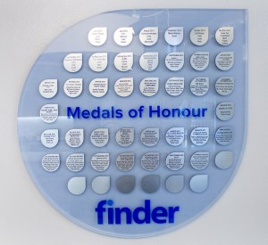 Finder - medals of honour