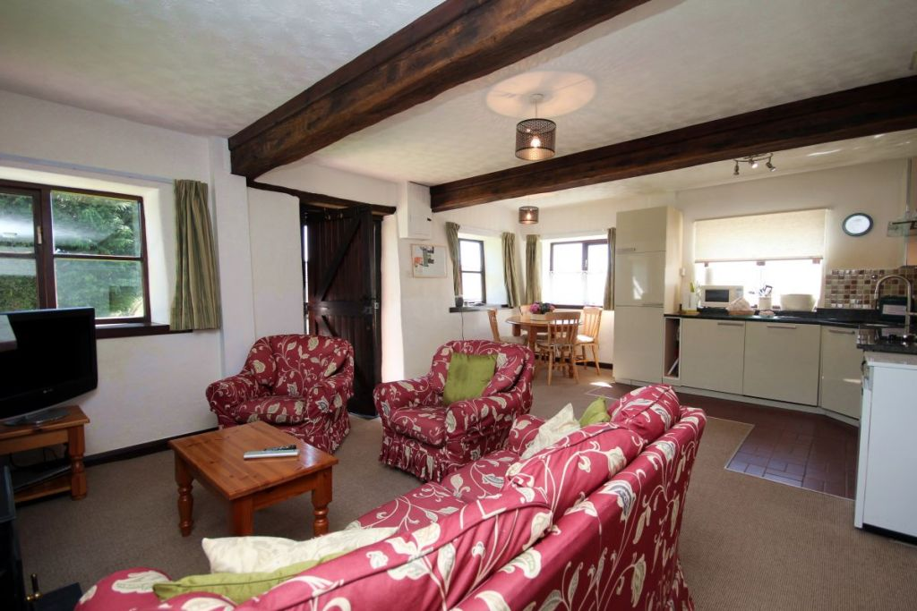 Stable Cottage, West Withy Farm - lounge, dining, kitchen
