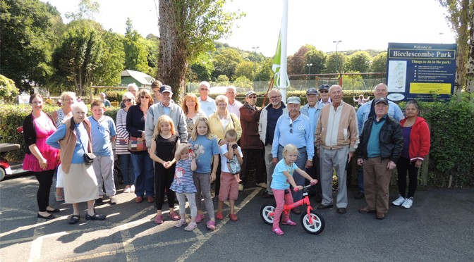 Green Flag Flies Over Bicclescombe Park