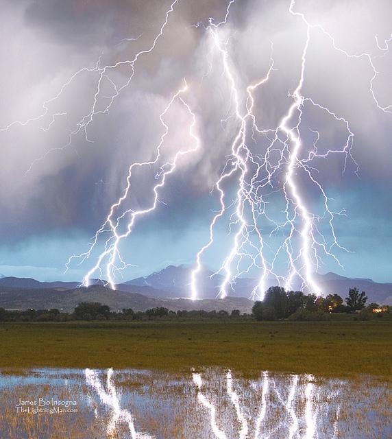 massive_lightning