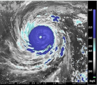 Majestic Super Typhoon LEKIMA. SW-IR satellite image recorded at 14:30UTC on October 24, 2013. Temperature of the patch located to the right of the typhoon's eye measures about 150ºK (< minus 123ºC) making it the coldest place on or near planet Earth. Image sourced from: CIMSS/SSEC/WISC.