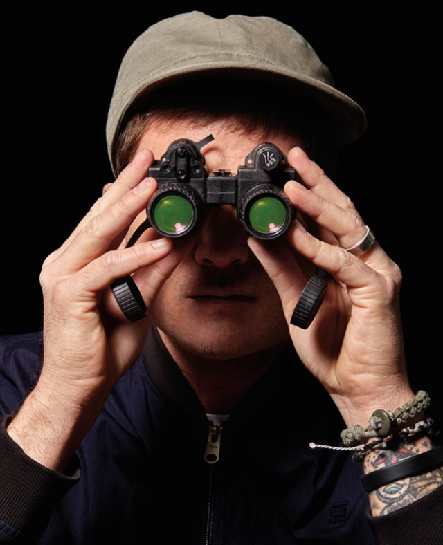 Delong with his night vision glasses. A.K.: these are used to see UFOs in the night sky. See: https://exopermaculture.com/2011/06/05/night-vision-goggles-show-ufos/
