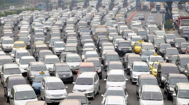 Jakarta-traffic-jam-1038x576