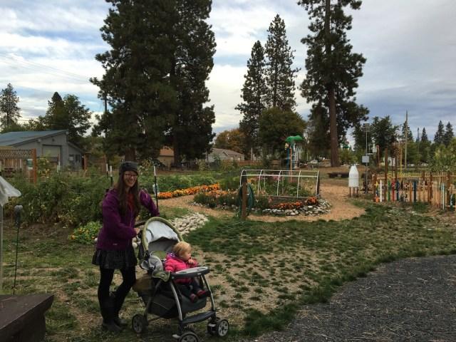 korrine-and-siler-in-garden