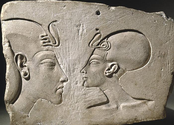 Plague showing Pharoah Akhenaton and Queen Nefertiti around 1352-1336 BCE