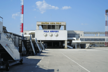 How to get to and from Pula Airport