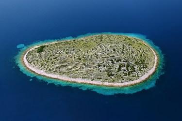 Croatia's tradition of dry-stone walls