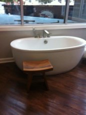 Labor tub at Baby+Co birth center labor and delivery options nashville hospitals