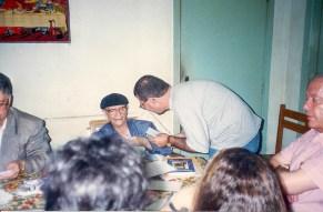 Chico Xavier em sua residência em Uberaba, MG