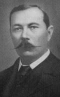 Arthur Conan Doyle, criador do personagem famoso Sherlock Holmes.