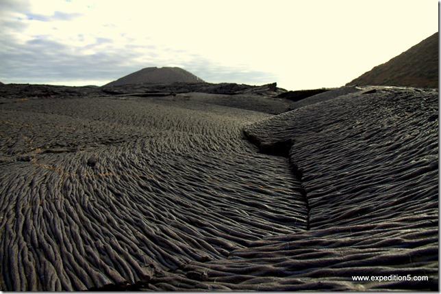 Des motifs de lave durcie impressionnants -  Galapagos, Equateur.