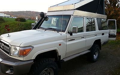 SOLD – Toyota Land Cruiser 76 – Pop Top Roof – Germany – €49,000