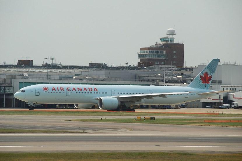 Air Canada Boeing 777-300